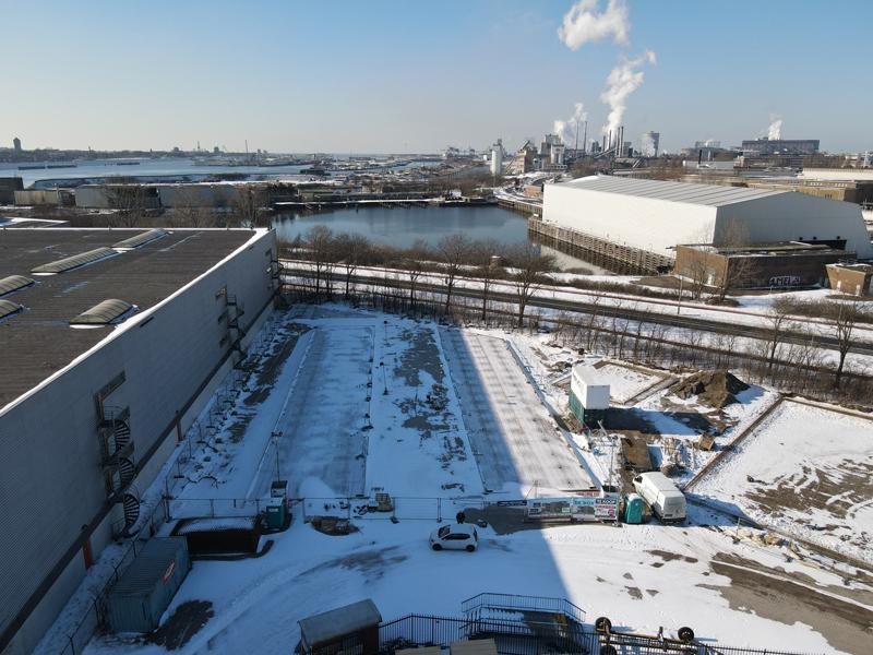 12 02 21 bouwterrein sneeuw 01