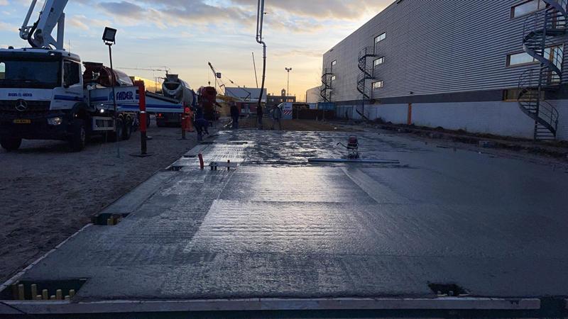 24 02 21 storten betonvloer 03