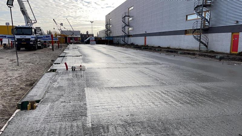 24 02 21 storten betonvloer 04