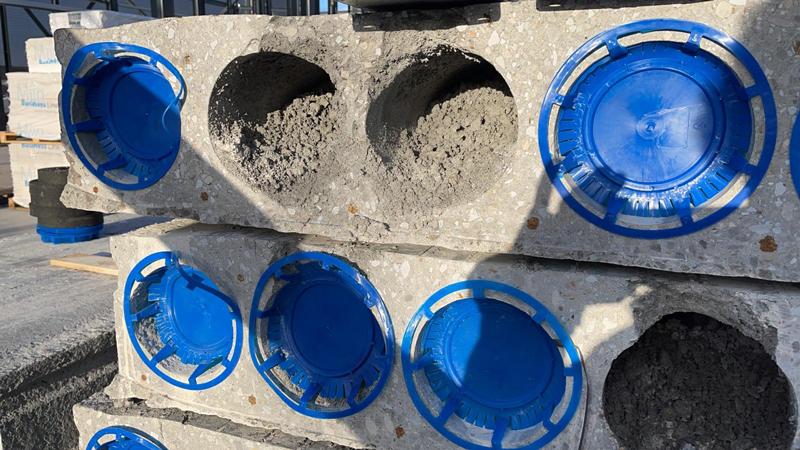 13 04 21 plaatsen betonplaten verdiepingsvloer 17