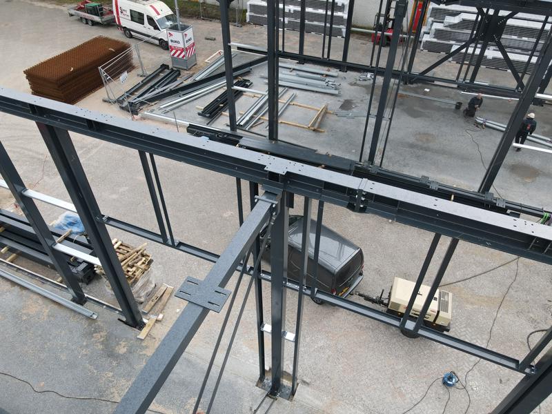 13 04 21 plaatsen betonplaten verdiepingsvloer 24