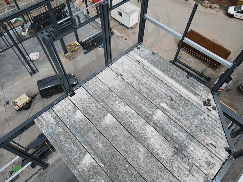 13 04 21 plaatsen betonplaten verdiepingsvloer 27