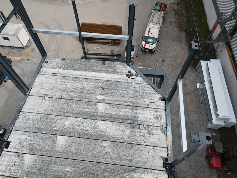 13 04 21 plaatsen betonplaten verdiepingsvloer 28