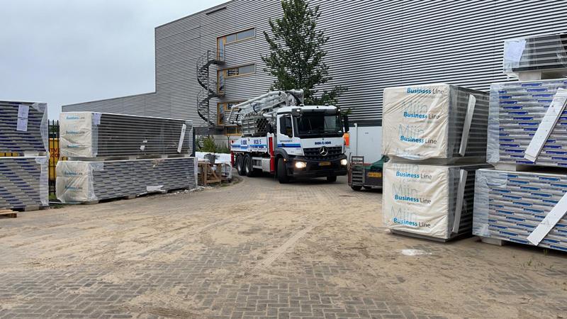 14 07 21 storten betonvloer 01