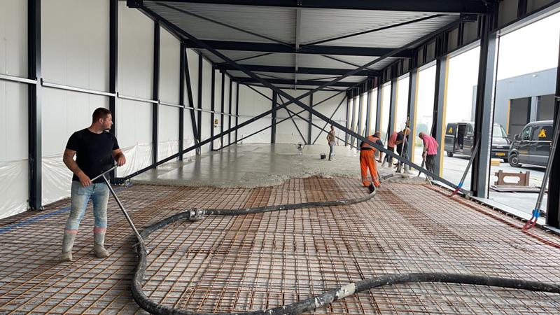 14 07 21 storten betonvloer 32